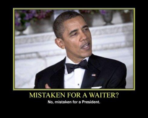 obama-mistaken-for-waiter moon
